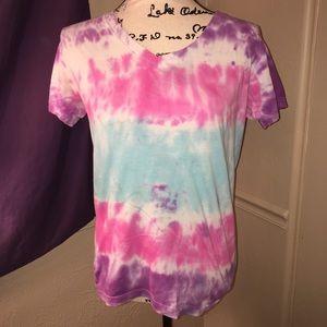Tie dye v neck t shirt size small
